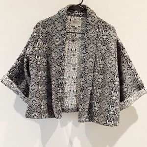 Ecote | black & White patterned  cropped jacket